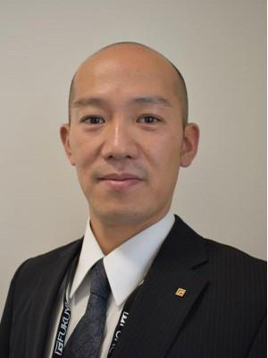 髙井 宏輔